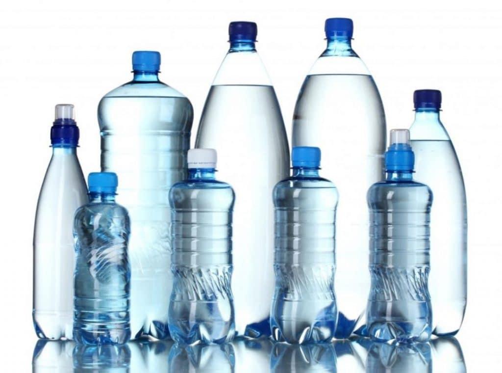 Air minum dalam kemasan botol